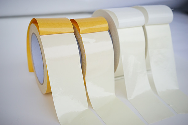 Long Lasting Double Sided Carpet Tape , curcuma Gamla paper Carpet Joining Tape Removed Easily